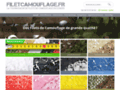 Détails : Des filets de camouflage colorés et militaires