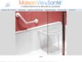 MAISON-VIE-SANTE : Salle de bain, baignoire, douche sécurisées.