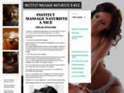 Initiation aux massage tantrique mutuelle par belle coach américaine