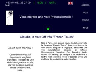 Détails : Claudia Voix Off