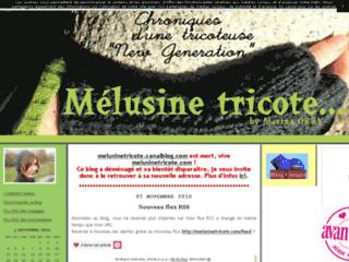 Mélusine tricote
