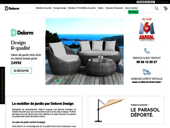Un beau parasol pour un jardin design