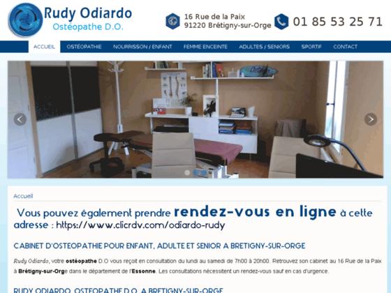 Manipulations manuelles de l'ostéopathe Rudy Odiardo à fins thérapeutiques