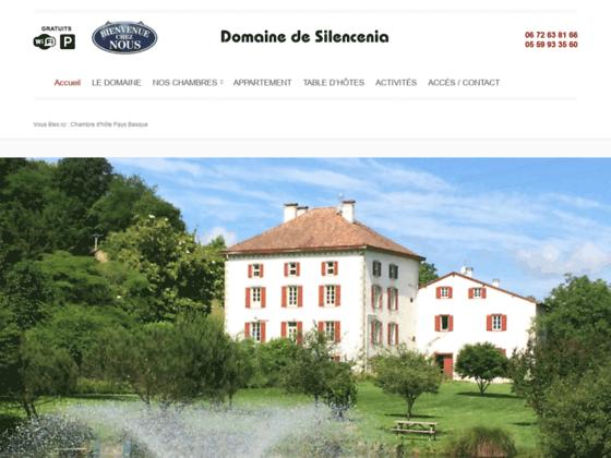 Chambres d'hôtes Pays Basque avec Piscine - Domaine Silencenia : Maison d'Hotes Pays Basque